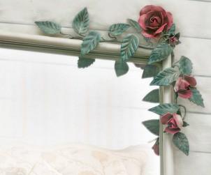 Specchio con Rose Rampicanti e Bocci di Rosa.